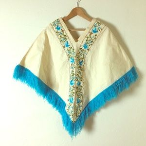 Other - Vintage 1960s Cream & Turquoise Embroidered Poncho
